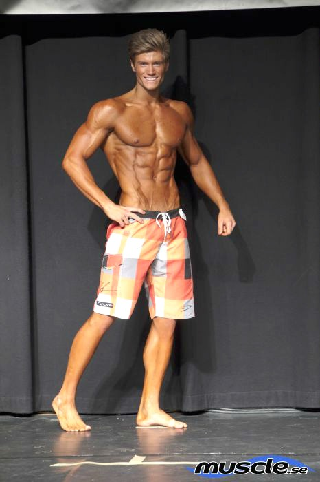 Mikael Wahlberg - Vinnare av Men's Physique +178 cm på Decembercupen 2013.